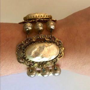 Vintage Gold & Pearl Costume Jewelry Bracelet
